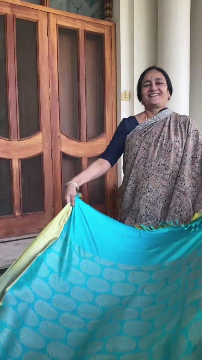 माँ की पुरानी साड़ी, बच्चों के लिए दिवाली के नए कपड़े। Happy Diwali .... shot by Baiko @geneliad  - Song credit @sujoy_g #Recycle