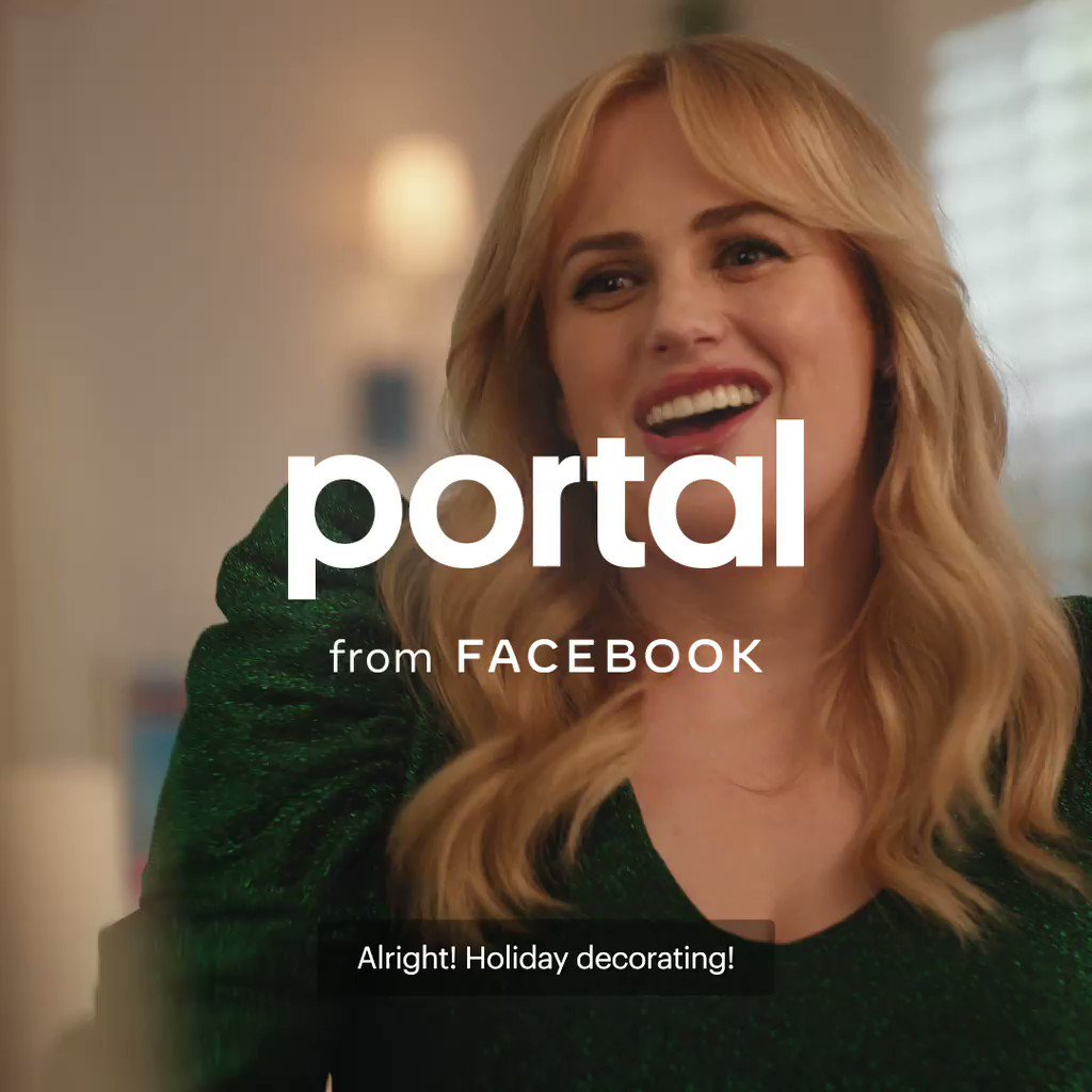 Portal's Smart Camera keeps the action front and center no matter what you're doing. Or in @RebelWilson's case, what you're hanging. #PortalTraditions 🖼
