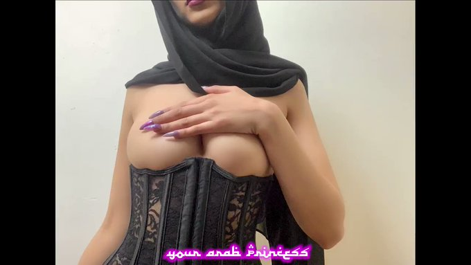 Hey Habibi 😉 https://t.co/0LePqPJNbH 🧕🏾 https://t.co/m0yx9imkuY