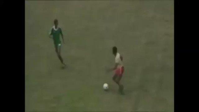 """Je me souviens encore du but en finale à Abidjan, en Côte d'Ivoire, en 1984 contre le Nigeria. J'ai revu les images et écouté le reporter qui crie """"Abega-Milla-Abega""""…but ! Trop de souvenirs se bousculent dans ma tête. #AFCON1984  8 ans déjà que tu nous as quitté. #RIP 🌹"""