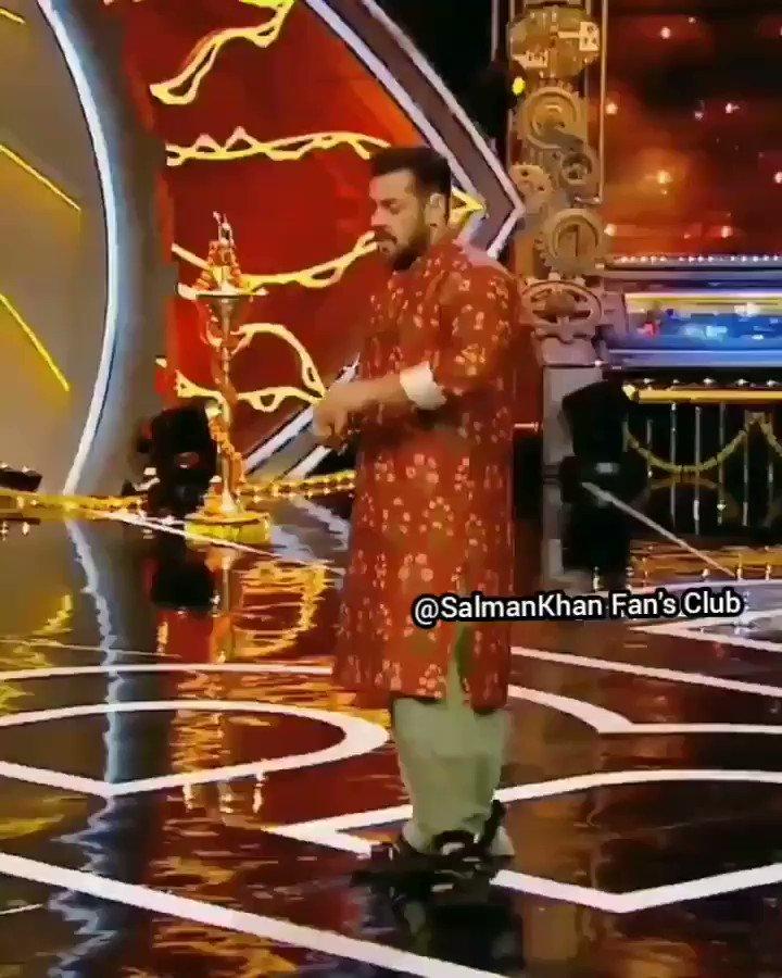 "☆☆-""#MegaStar #SalmanKhan  @BeingSalmanKhan #BiggBoss14 @Shardulpandit11 Bhai Ka Eviction💔 :-:: #WeekendKaVaarWithSalmanKhan  #WeekendKaVaarSalman  #WeekendKaVaar #BB14  #BiggBoss14 |#BeingStrong  ::-: #Sallu #BhaiJaan #Salman_Sir ❤ #Radhe #TiGER3 #Kick2 #Sultan  #BiggBoss14"