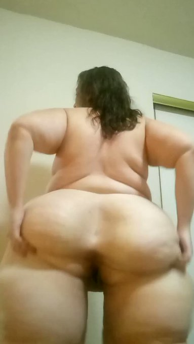 Just sold! Get yours! After shower ass spreading https://t.co/8oAEtVGbvi #MVSales https://t.co/CjngG