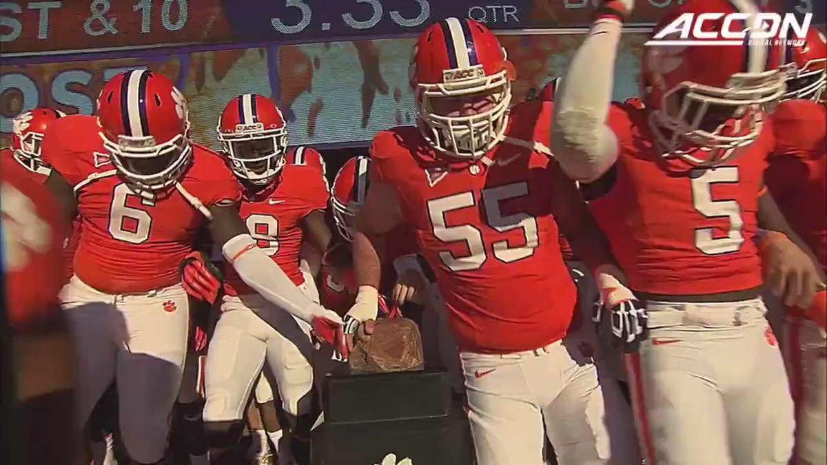 8⃣ years ago today, Tajh Boyds 8⃣ TDs set a new ACC record 🐅 @TajhB10 | @ClemsonFB