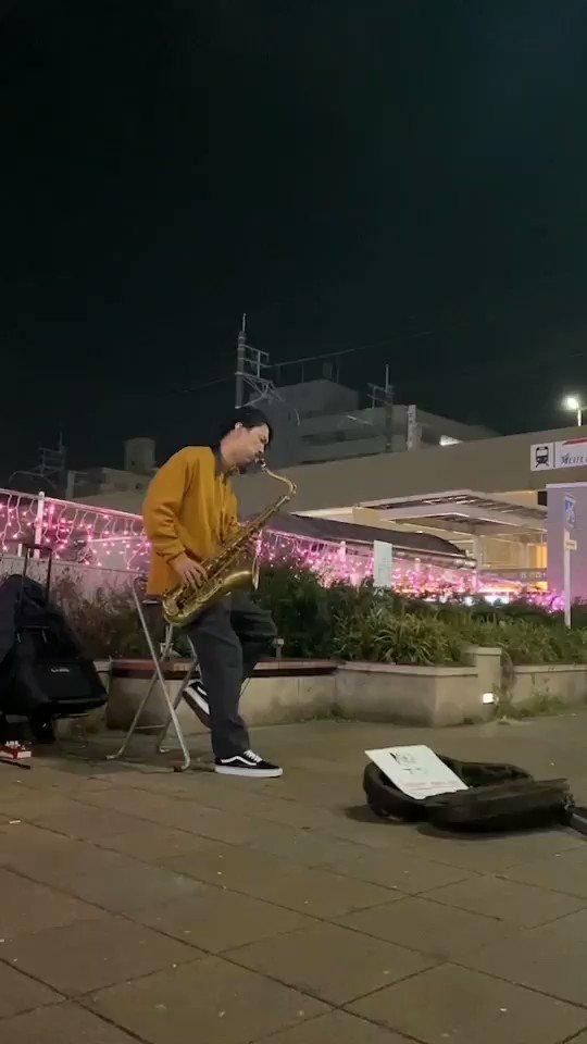 「Love Story」安室奈美恵昨日は大曽根駅のイルミネーションをバックに演奏してみました ^_^#安室奈美恵
