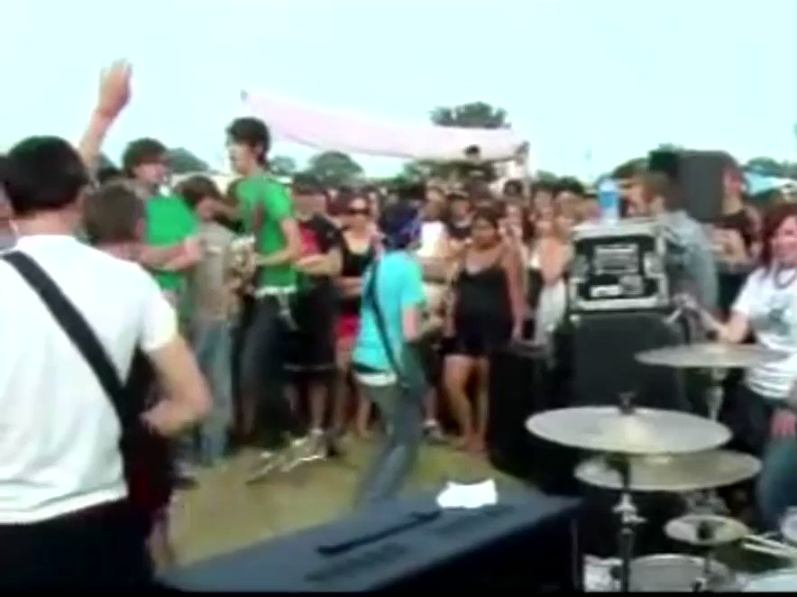 """""""I DON'T WANNA SAY THIS BUT I GOTTA, WE ARE THE DEVIL WEARS PRADA"""" This is the earliest live footage I've ever been able to find of the band, playing the generator stage at Cornerstone Fest 2006"""