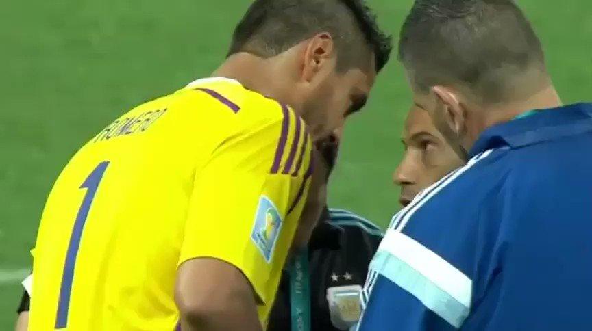 Gracias capitán y líder por tu entrega , amor x la selección , compromiso y dedicación un grande de verdad el tipo con más partidos en la selección Argentina , imposible no compartir este video , #GraciasMasche