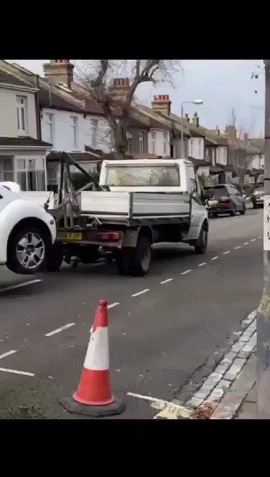 RT @wegenwacht4447: Nee hoor geen probleem...wij slepen je auto wel even naar de garage. https://t.co/9Dd7zhHCCH