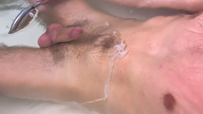 Moaning loud while spreading big cum handsfree under water 😩🍆💦 (sound on)  ⭐️https://t.co/FXFY5WJCRI⭐️<--