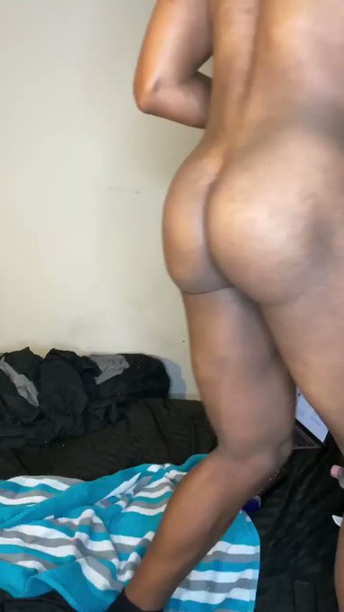 Somebody come suck this dick and ass from da back.Busted a big nut 💦 10 min vid Only $6  https://t.co/isShf4ENGa