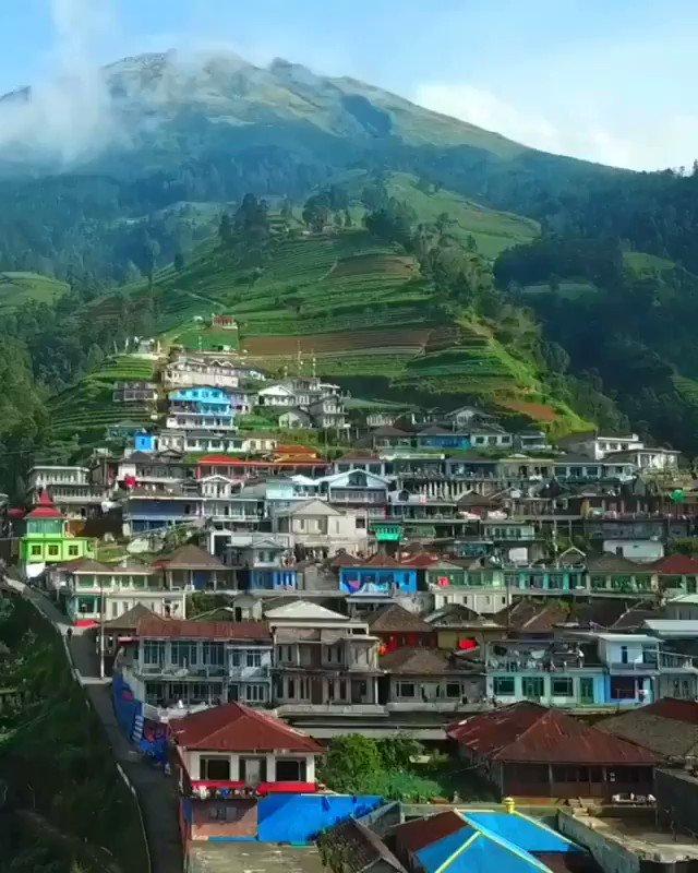 "Happy nice day All, #hellofrom Magelang, Jawa Tengah.   Dusun Butuh yang mendapat Julukan "" NEPAL VAN JAVA"".  Dusun Butuh , Kaliangkrik 🏷  Magelang - Jawa Tengah   via 🎥 Muchmarco @merapi_uncover"