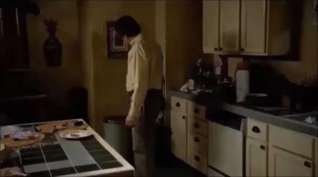 مافي متابع لمسلسل Breaking Bad بينسى المشهد ذا ..