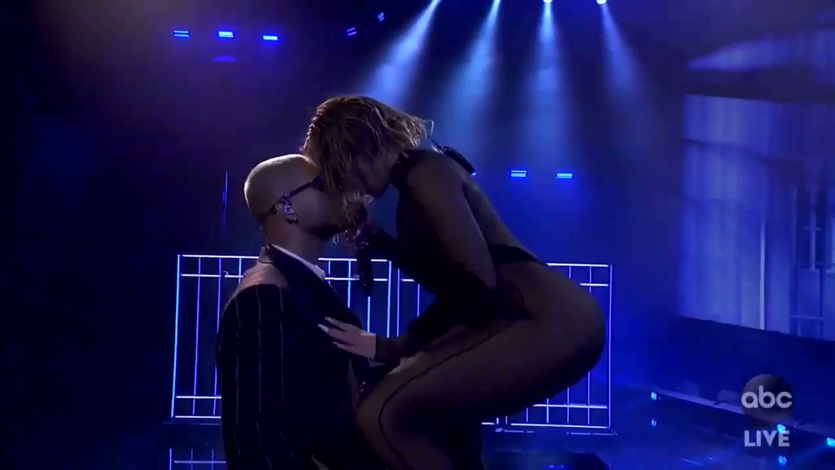 📌 Dia 04: Performance Favorita  JLO feat Maluma #AMAs 2020 performance de Pa'Ti + Lonely