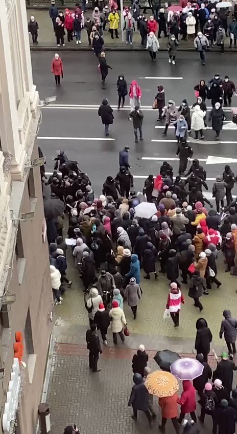 #Belarus Day 107. Security forces attacked the rally of elderly women and men in #Minsk. Now the city is safe, because the column of pensioners was divided into smaller parts by brave anonymous officers