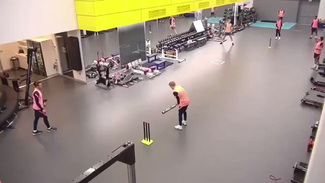 Have you seen this @JontyRhodes8? 👀 🏏  Blinder from @dele_official 😮
