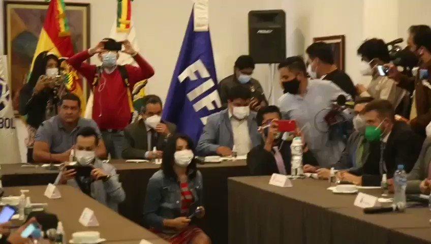 #FBF Comenzó en el horario previsto el Consejo de la División Profesional de #Bolivia, con la presencia de todos los delegados.