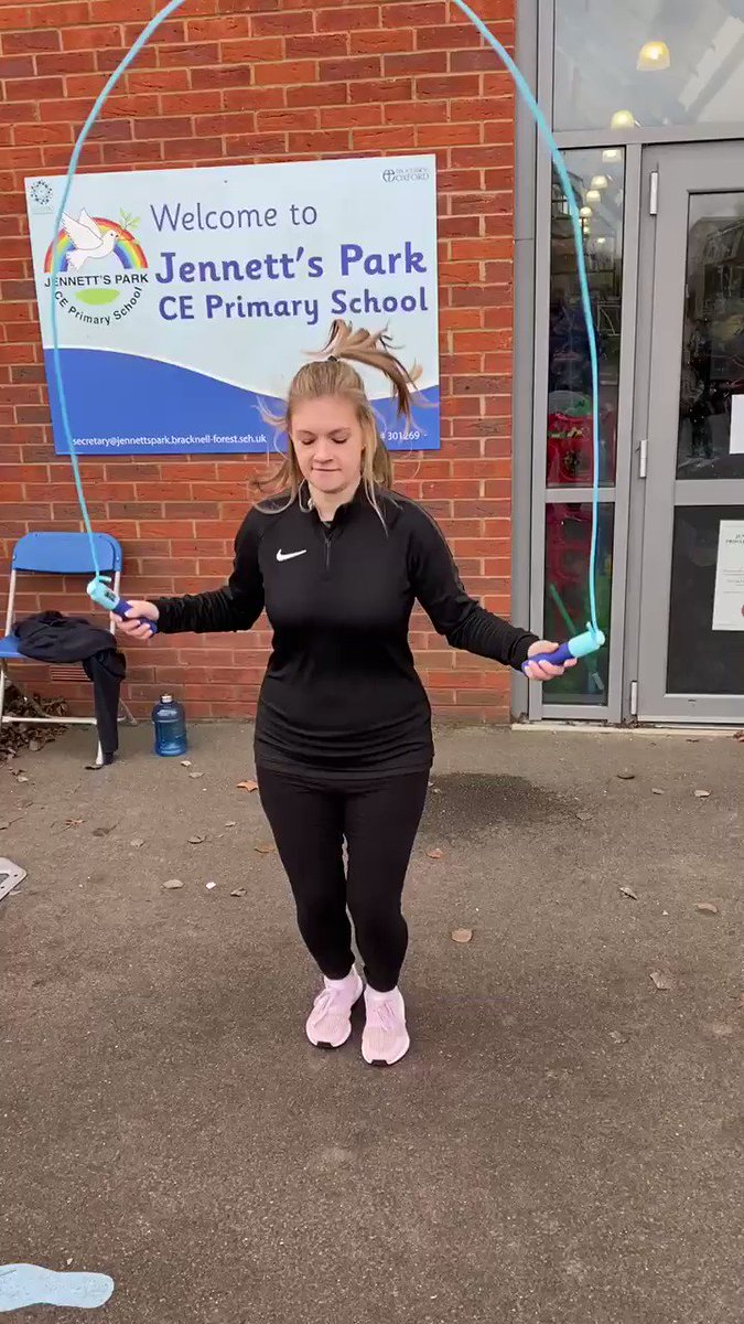 RT @skip2bfit: Here is a SKIPtastic PE lead today leading by example on day 2 at Jennett's Park Primary in Bracknell Berkshire! 420 children now INSPIRED to Skip2Bfit with our YST award winning programme and superfood blueberries! @GetBerksActive @BrettGBA #PhysEd #EDuPE #personaldevelopment