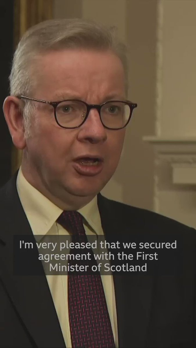"""""""All the governments agreed that we should balance the need to protect public health with also allowing people to be with their loved ones""""  UK Cabinet Officer Michael Gove outlines plans for Christmas restrictions  https://t.co/o0ozRxpXGl https://t.co/QoiBdNK98X"""