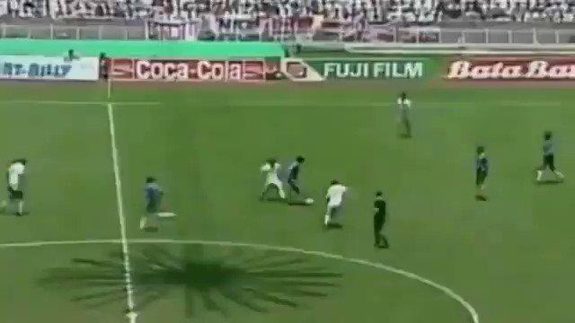 RT @BenjAlvarez1: Diego Maradona's