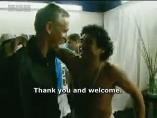 A wonderful clip of @GaryLineker meeting up with Diego Maradona again in 2006. Respect. 🤝