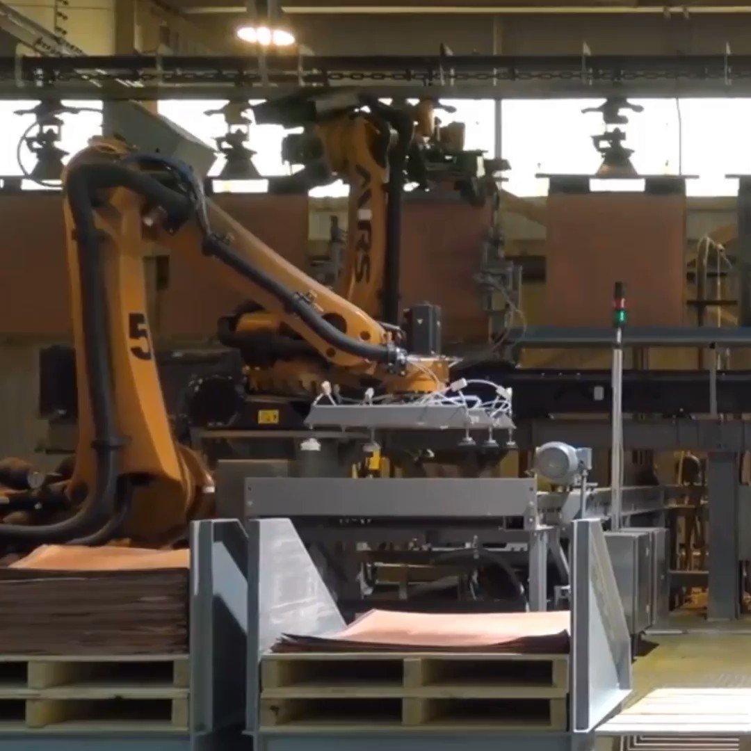 👷🏻♀️👷🏻Implementamos tecnología de alto desempeño para nuestros procesos. Estamos a la vanguardia en el uso de robots industriales. https://t.co/FxsXK7ec9h