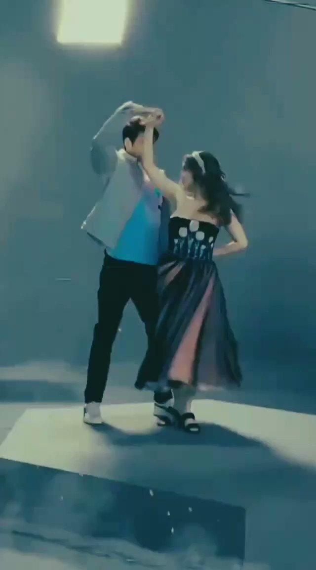 Omg This is sooooo Adorable 😭😍, So Perfect😍. Koi vm banao on #TumSeHi song of Jab we met 😥 #ShonaShonaWithSidNaaz