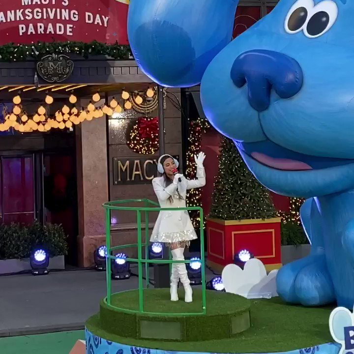 """@allybrooke performing """"We Are A Family"""" on the Macy's thanksgiving day parade! It was so adorable! Her voice is so cute!💙 #MacysParade #MacysThanksgivingParade"""