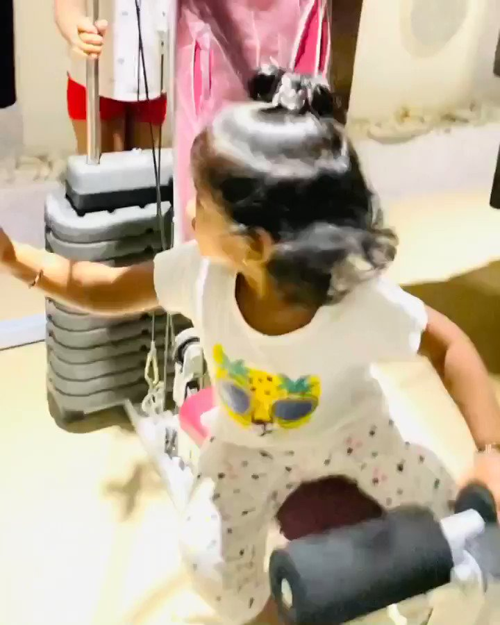 My bro @iTIGERSHROFF u have stiff competition in fitness & gymming by 23 months old #SaishaKannan !See her muscles at d end of the video!You should do fitness challenge together..wonder who will win? 😂🤗 #TigerShroff #thursdayvibes #fitness #SidK