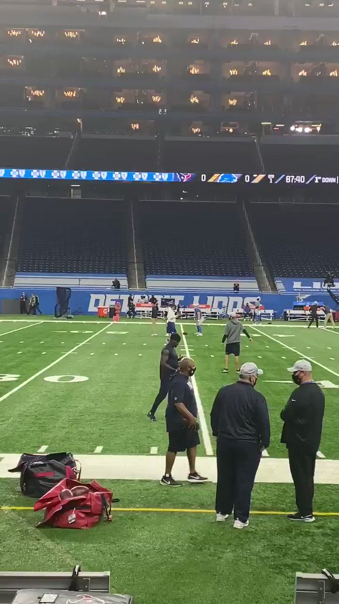 How about this for a thanksgiving story. Identical twins @lions CJ Moore and @HoustonTexans AJ Moore facing each other for the first time. Having a catch pregame #family #ThanksgivingDay #NFL