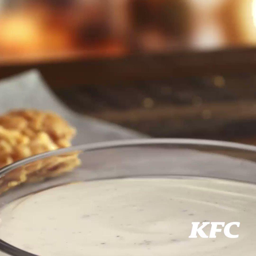 😎El Coronel nos vuelve a sorprender🤩  ¡Ya puedes disfrutar su famosa receta en nuestras nuevas alitas!. #KFC https://t.co/QS5zGsdpmy