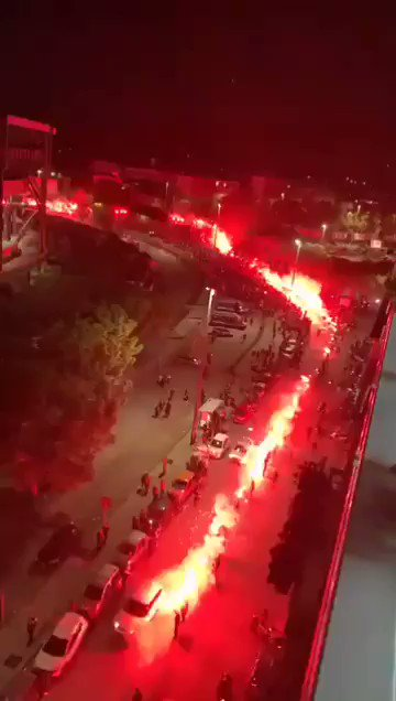 Napoli giving Diego Maradona the send off he deserves outside their stadium tonight 🔥 (via @sempreciro)