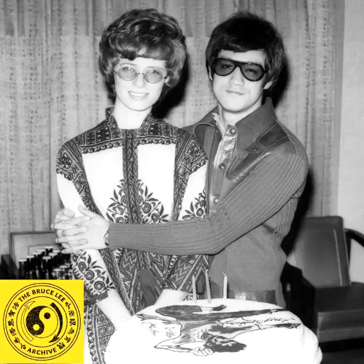 🐉📸🔐 From the Bruce Lee Archive #63 'Happy 80th Birthday to Bruce' This week we celebrate Bruce's birthday! Tomorrow (November 27th) marks the 80th birthday of Bruce Lee, seen here with Linda and his 'flying man' birthday cake (photo 1)...[Full Post Copy @ Bruce Lee Instagram]