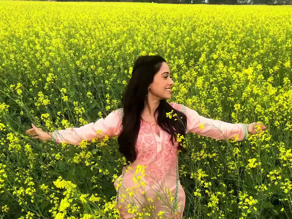 """Like wildflowers; you must allow yourself to grow in all the places people thought you never would."" - E.V.  #FlashbackFriday from the shoot for #Chhalaang! 🌻"