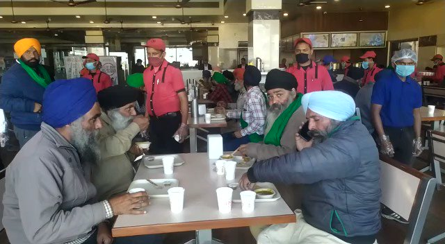 Replying to @ndtv: #FarmersProtest | Amrik Sukhdev Dhaba in Haryana's Murthal serves free food to farmers
