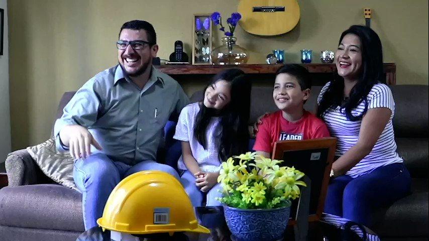 En Galvanissa estamos orgullosos de Vivir Valores que nos hacen Únicos, para cumplir con nuestra misión de mejorar la calidad de vida de nuestras comunidades.    Juntos generamos prosperidad a la medida de la grandeza de El Salvador.    Galvanissa, #1 en Hierro y Techos. https://t.co/4DkDD2XLVs