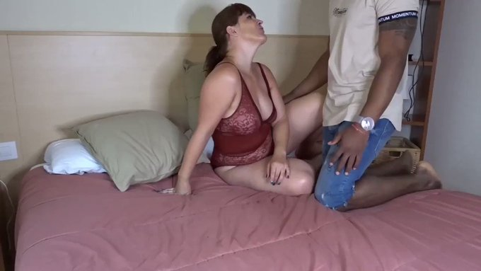 Just made another sale! Interracial Tinder fucking meeting bbc https://t.co/64kEy8i5cs #MVSales https://t