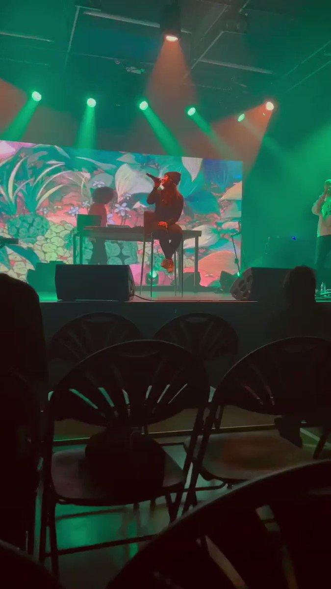 Ce soir @LaPlaceHipHop on a capté un moment magique pour vous.  Le show de Blanka et de sa troupe pour la sortie de son nouvel album FLARES  Merci @carine_rolland et les équipes @Paris Vidéo à découvrir bientôt #culture #art #creation #harmony 🎶