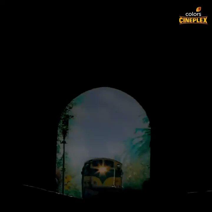 Hum logo jahan se khadi hoti, station wahi se shuru hoti.🚂 Issi station par 6th December ko shaam 7:30 baje aa rahi hai @deepikapadukone aur @iamsrk starter #ChennaiExpress.  #ColorsCineplex #worldtelevisionpremiere #DeepikaPadukone #ShahRukhKhan #SRK #7YearsOfChennaiExpress