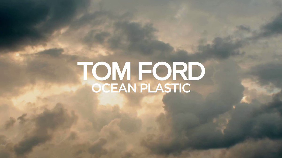 Tom ford introduces the new Ocean Plastic watch⌚️, the first unique timepiece made from one hundred percent recycled ocean plastic. #wristwatch #WristwatchWearer #FlashbackFriday #WATCH Would You Invest In A Plastic Watch ? 👉