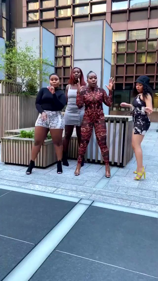 It's EVERYTHING about this video for me!! 😍😍😍🔥🔥🔥🔥 QUEENS 👸🏿👸🏾👸🏽👸🏻