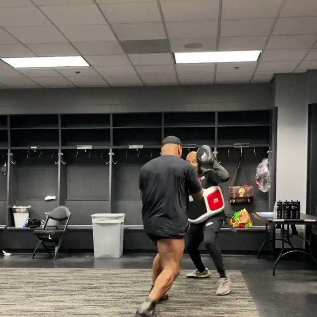 .@MikeTyson is ready 👀  #TysonJones https://t.co/S9cbYW0GXB