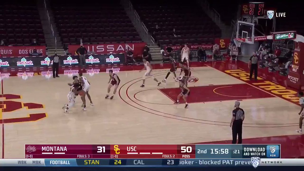 PLAY 2: @Nolomit_e lobs it to @evan_mobley7, who finishes the alley-oop https://t.co/cnBTtB2jJA