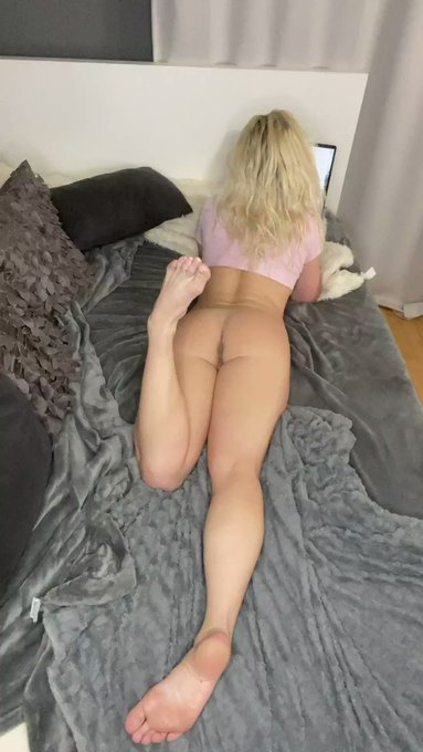 Like & RT if I Can Send You Nude in Your DM https://t.co/nbNO8Xyeh5