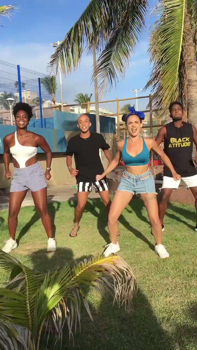 #naopodeparar - @ivetesangalo @mczaac  Coreografia: @TiagoMontalti  #NaoPodePararChallenge  @CentralDeFas @IveteSngNEWS @IveteiroN   Dancer: @agathasimas @rbalexandre @luafrancap @matheusambrozii
