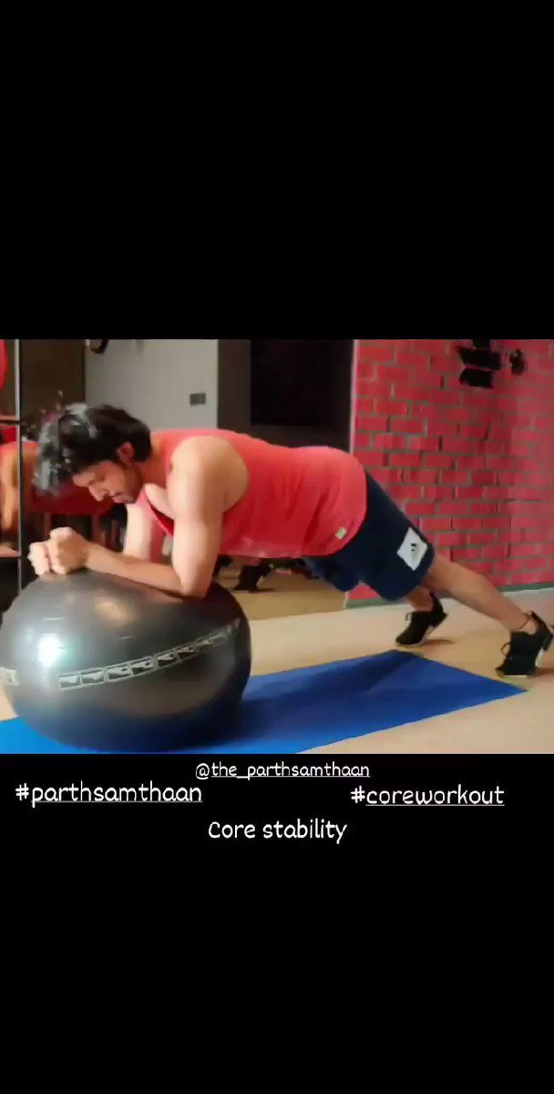 Core stability.. #CoreWorkout  #ParthSamthaan Keep it up🔥😍  VC: Vijay   @LaghateParth Shine on Precious 🌟✨