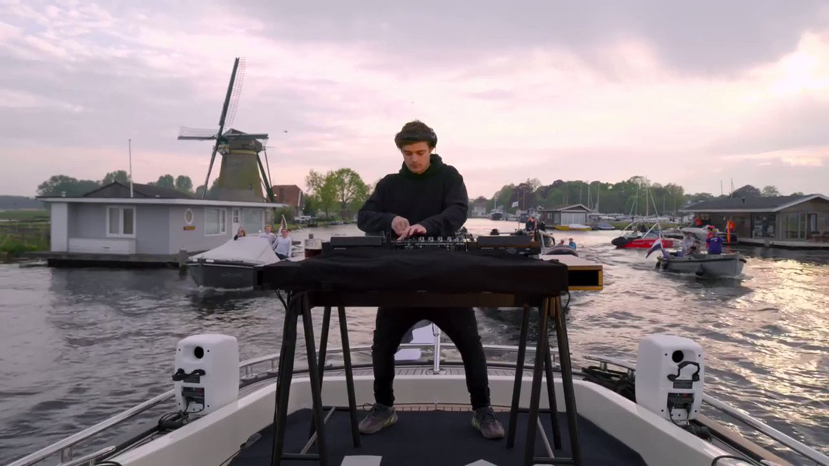 """The Dutch waters set intro is here 🔥   @MartinGarrix is bringing his longtime friends to @stmpdrcrds as @mestomusic and @justinmylomusic finally reunite on """"When We're Gone"""""""