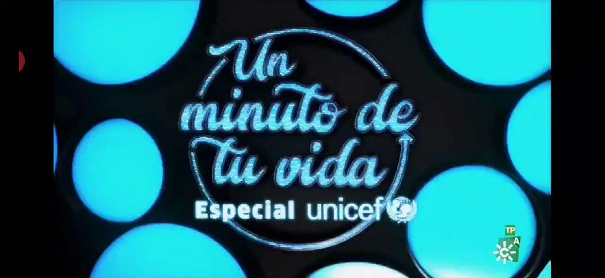 @IndiaMartinez recordando #ElMinutoDeTuVida, cuando se subió por primera vez a un escenario con 12 añitos y @PabloLopezMusic y su cara al verlo... 😍😍😍  @UNICEFAndalucia @canalsur @unicef_es #PequeñasSoluciones