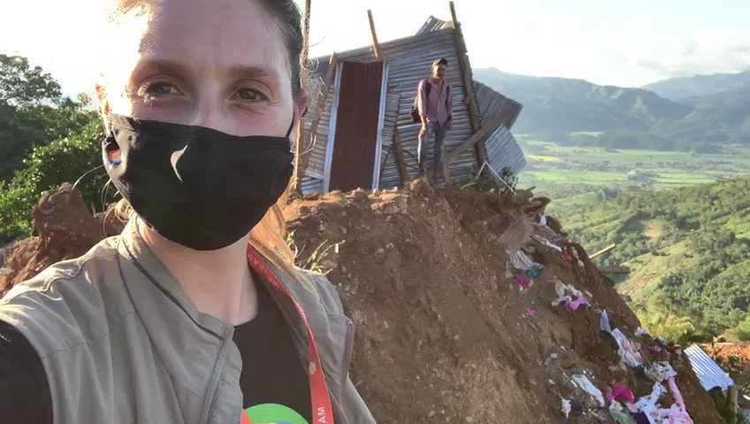 Anna reporting in from La Reina, Honduras where a landslide from the hurricanes destroyed an entire town that 2,000 people call home. Some heard the ground cracking before & left early—others were awaken & ran. Thankfully, no one was killed. We're here to support with fresh meals