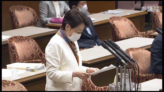 山谷えり子「王毅外相の『尖閣に日本の偽装漁船が入るのは止めろ』を許してはいけない。日本は強い姿勢を取るべき」外務副大臣「尖閣問題は存在しないという立場。あくまで中国側の主張。中国が何を言ってるか解らないので反論の必要なし」本当に情けない。日本の立場の再表明くらいすべき#kokkai