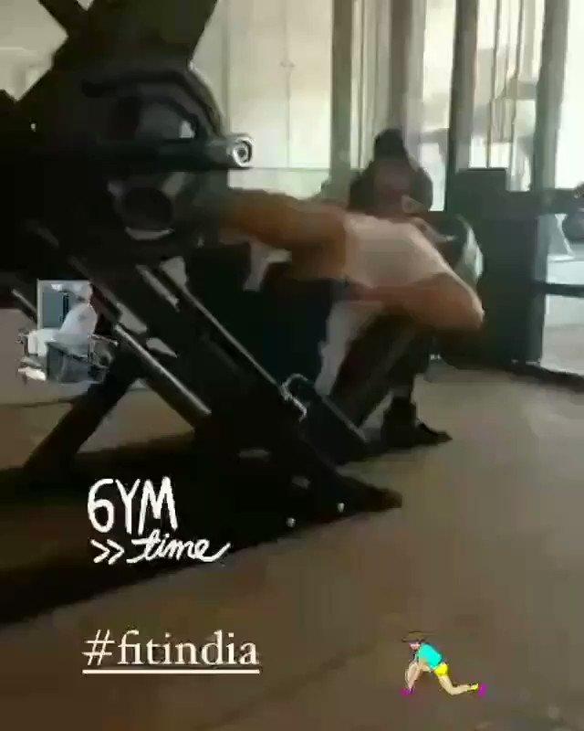 No caption needed 🔥 @KapilSharmaK9 giving fitness goals & getting hotter day by day! Hard working Sharma Ji.💗 We love you! #KapilSharma