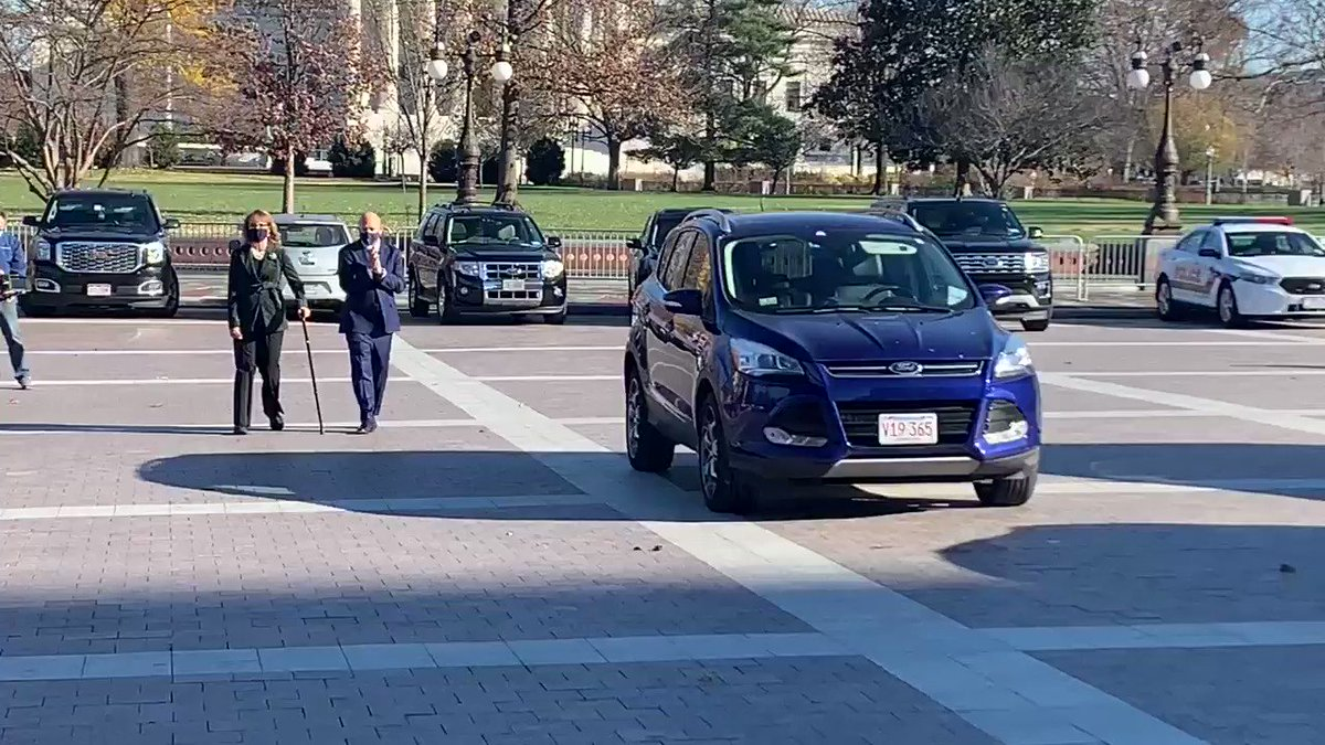 .@SenMarkKelly arrives with his wife, former Rep. Gabby Giffords, for his swearing in